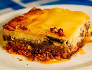 μουσακάς - mussakà (Pasticcio di melanzane, ragù e besciamella)